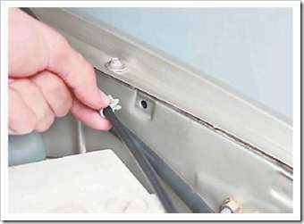 меняем тягу привода замка капота