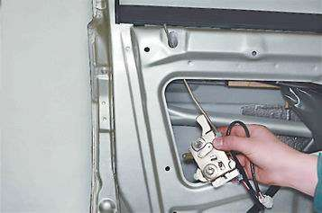 Как поменять замок передней двери на ВАЗ 2113, 2114, 2115