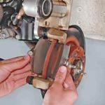 Как поменять передние тормозные колодки на ВАЗ 2113, 14, 15