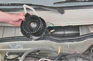 как поменять вентилятор печки на ВАЗ 2114