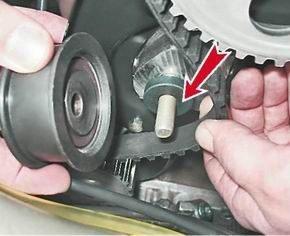 Как поменять натяжной ролик ремня привода ГРМ на ВАЗ 2113, 2114, 2115