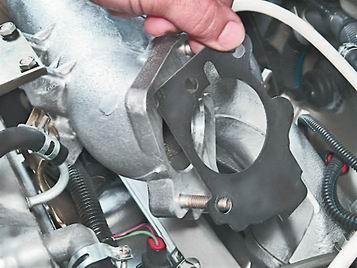 Как снять и установить дроссельный узел на ВАЗ 2114