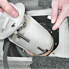 Как снять и установить топливный модуль на ВАЗ 2114 с двигателем 1,6i
