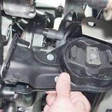 Как заменить переднюю опору двигателя на ВАЗ 2114, 13, 15