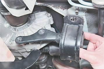 Как заменить заднюю опору двигателя на ВАЗ 2114, 2115, 2113