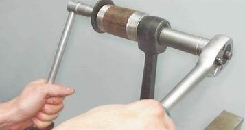 Замена сайлентблоков на поперечном рычаге подвески на ВАЗ 2113, 2114, 2115