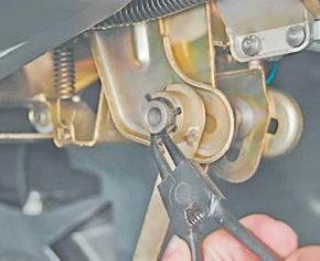 Как отрегулировать механизм фиксации рулевой колонки на ВАЗ 2113, 2114, 2115