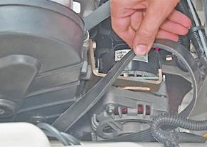 Замена ремня привода генератора на ВАЗ 2113, 14, 15
