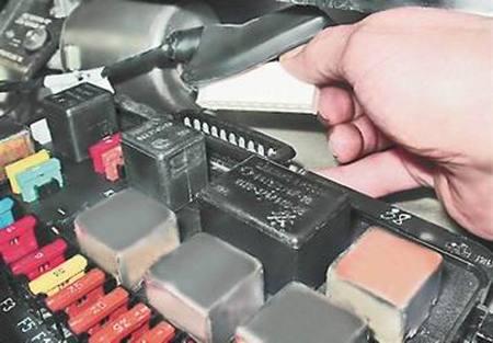 Как снять и установить монтажный блок на ВАЗ 13, 14, 15.