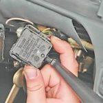 Как снять и проверить подрулевые переключатели на 2113, 14, 15.