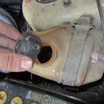 Замена охлаждающей жидкости на ВАЗ 2114 своими руками: сколько заливать ОЖ и принцип промывки (видео)
